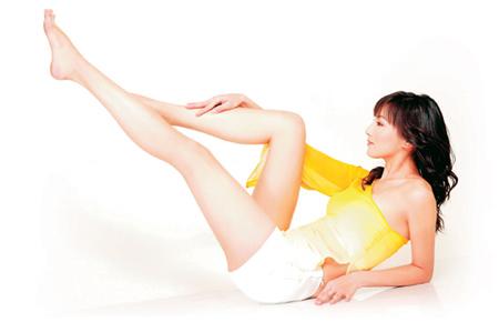 名模全身出镜演绎美腿操