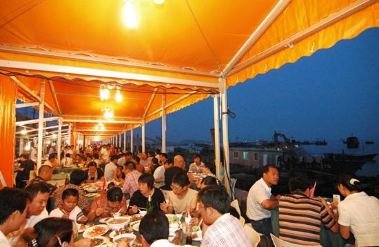 渔港海鲜夜排档