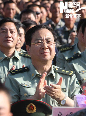 新华军事专访国庆阅兵总指挥房峰辉