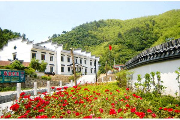 安吉/安吉县的新农村房屋整洁,环境优美。资料图片