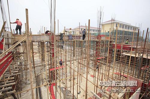 新碧初中教学楼等工程已进入装修阶段