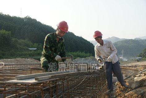 松溪综合治理工程完成800多米的排洪渠建设