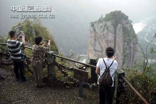 缙云县委宣传部,缙云县文联等派人陪同.桥式起重机操作步骤图片