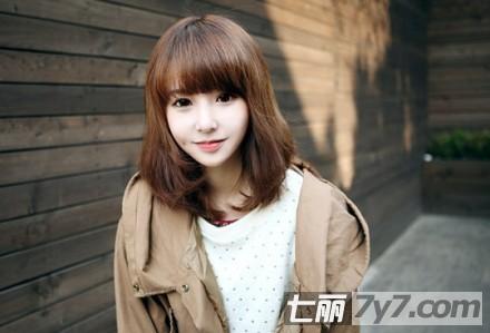最新秋冬短发发型 打造时尚甜美系女生