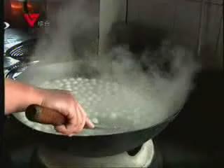 [02月25日] 服务区里煮汤圆 元宵情暖途中客