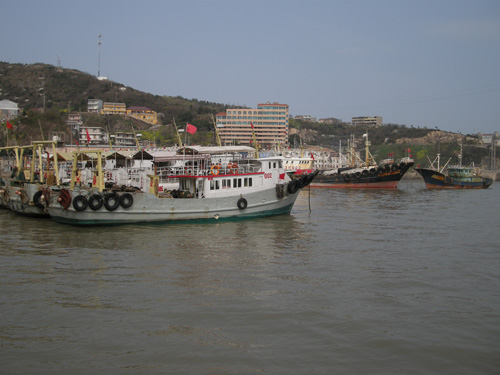 浙江温岭石塘镇的松门地区也是整个中国大陆离钓鱼岛最近的地方之一