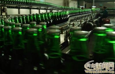 图为2011年9月百威啤酒正式落户百威英博台州啤酒有限公司.
