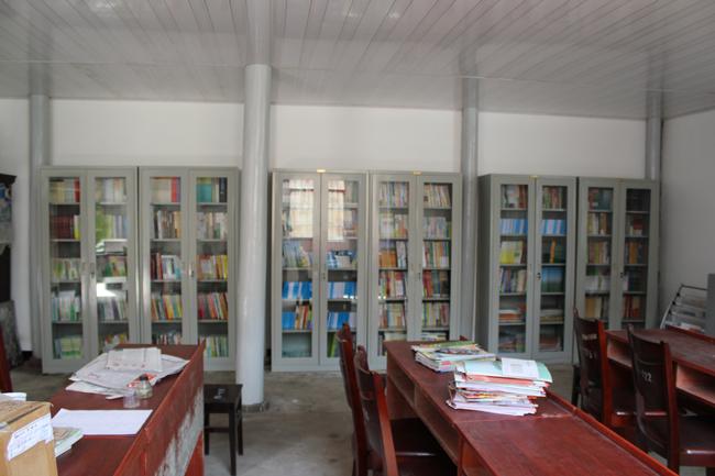 长台贺新村农家书屋