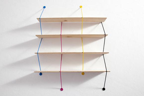 蛇形简洁的墙面书架