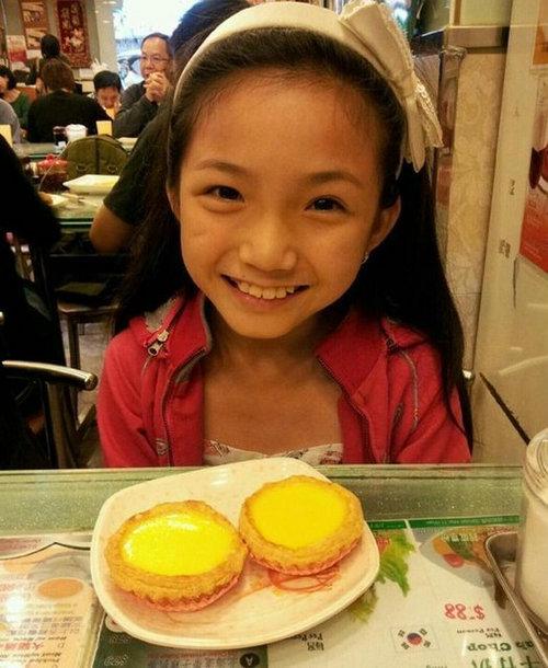 李馨巧/年仅10岁的李馨巧获得第16届上海国际电影节最佳女主角,成为最...