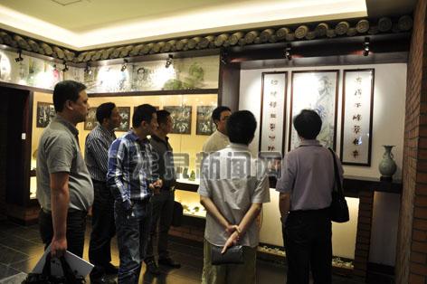 龙泉/在杭的剑瓷视界艺术馆成为青瓷宝剑文化的宣传窗口...