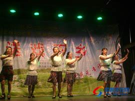 村民献歌同庆建党92周年