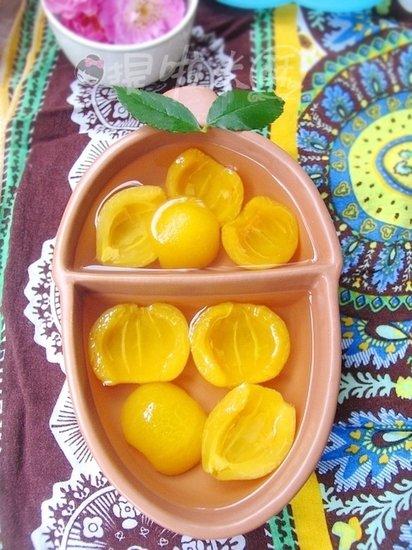 制健康可口小甜品 润肺止咳的糖水枇杷