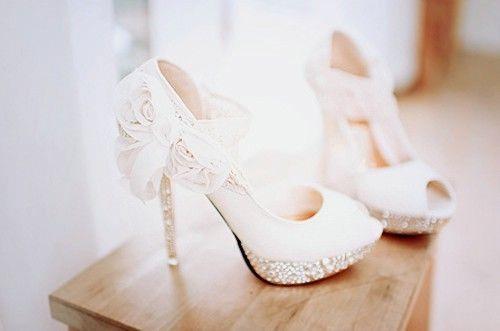 魅力高跟鞋 脚踩优雅进殿堂