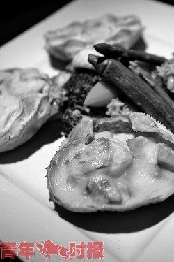 猪扒饭蟹蛤锅 澳门美食节在杭州拉开大幕