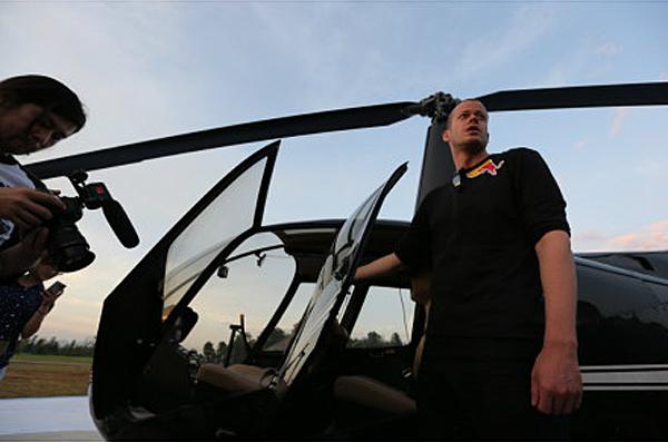 翼装侠检查着陆点的布置工程进度