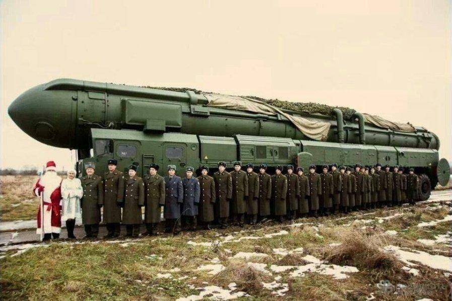 俄副总理给北约送