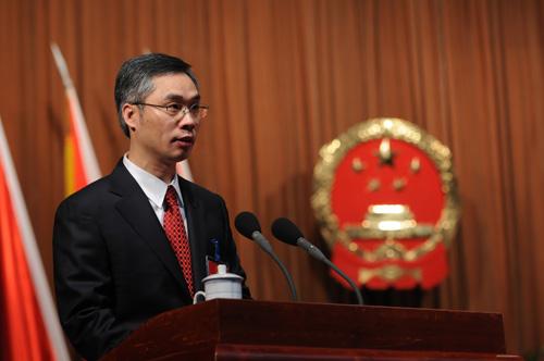 市长阮建尧作政府工作报告
