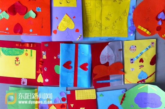 图为学生们制作的365bet网上娱乐_365bet y亚洲_365bet体育在线导航作品