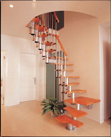 复式楼梯装修效果图:楼梯不占空间-打造你的豪宅 复式楼梯装修效果图