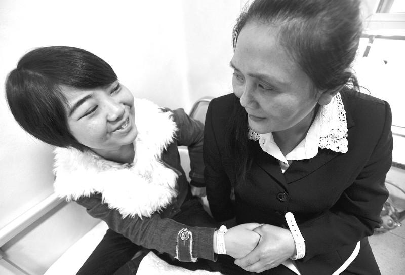 32年扎根深山 贵州乡村女教师获助来汉割肾救