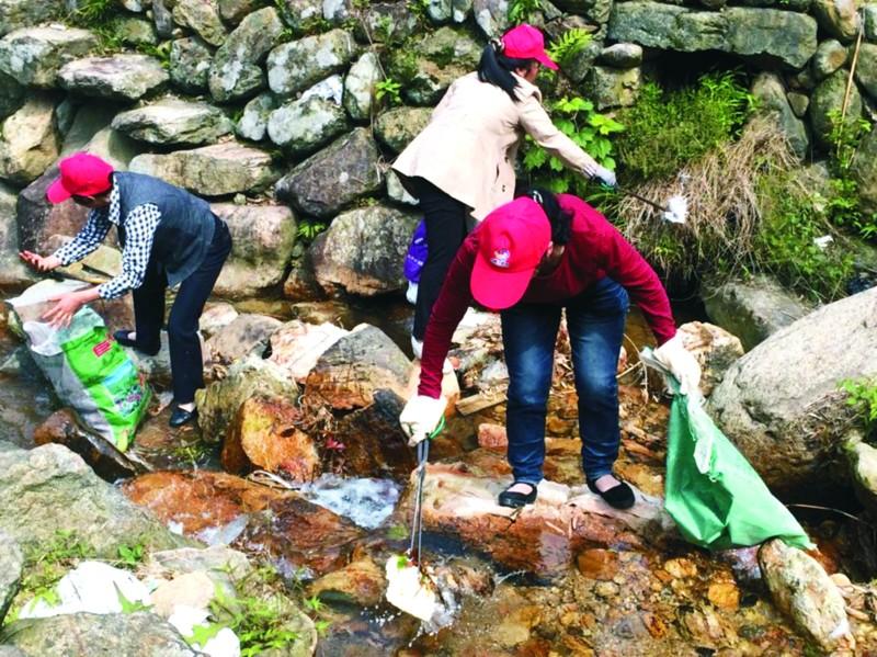 巾帼志愿活动助力生态家园建设