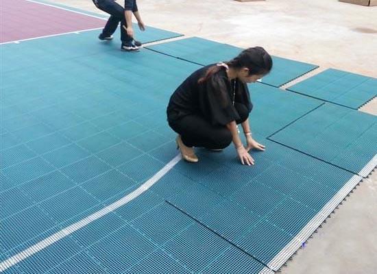 塑胶地板清洁与保养