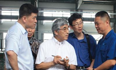 市科技局送邀请日本专家进企业服务