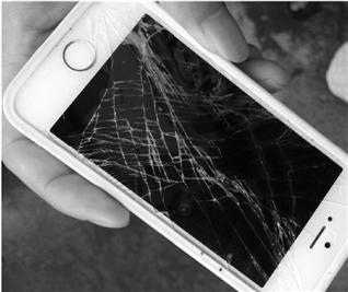 拆违起冲突 苹果手机摔裂了却找不到人赔--金华