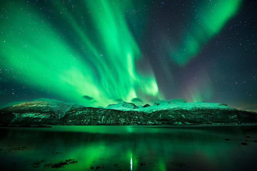 挪威将建世界首家极光酒店:玻璃屋顶水上漂浮