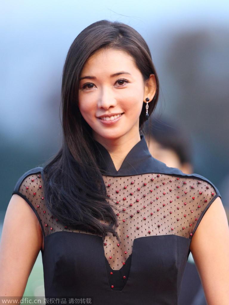 高清 林志玲透视黑丝装亮相马术赛 气质典雅