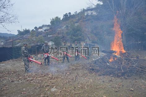 屏南镇开展森林消防演练