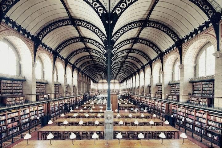 是艺术还是藏书?彷如电影场景的图书馆图片