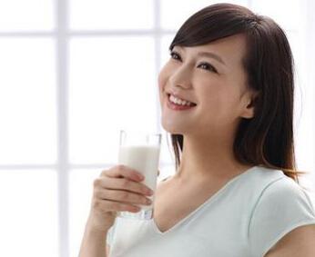 喝牛奶也有讲究 5类孕妇千万别喝牛奶