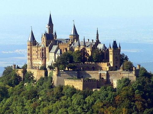 欧洲古堡旅行