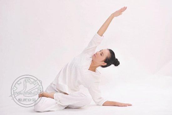 """瑜伽教练竹凯煜:瑜伽让她""""破茧成蝶"""""""