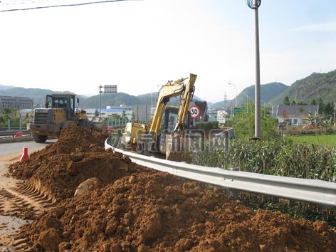 安仁镇植苗造绿美环境