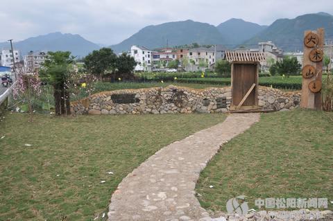 注重实施景观小品建设 助推乡村旅游业发展--松图片