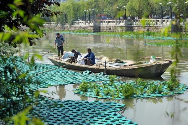 筑起水上景观带