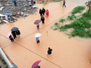 广东河源暴雨袭城 多条街道被淹