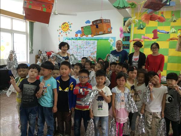 大发社区计生协会儿童节前慰问幼儿园