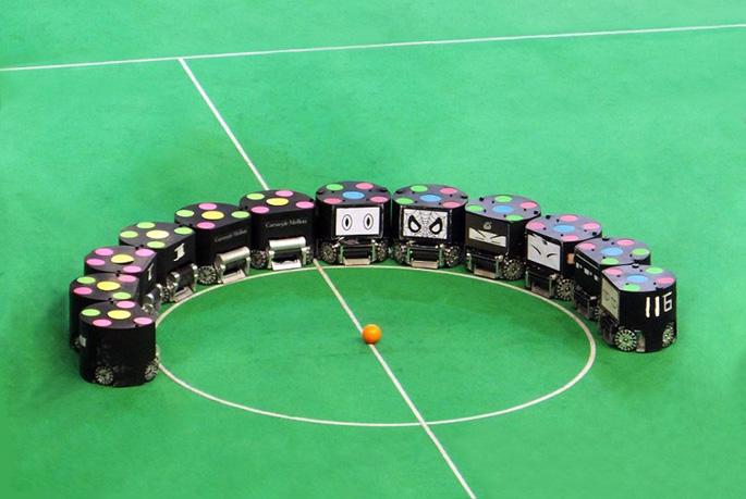 激情足球赛!浙江大学、南江机器人邀你玩转足