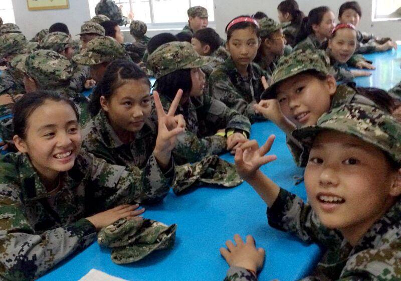 来看看小学生搞计算、穿答案的各种萌呆(图小学及方程题军训军装图片