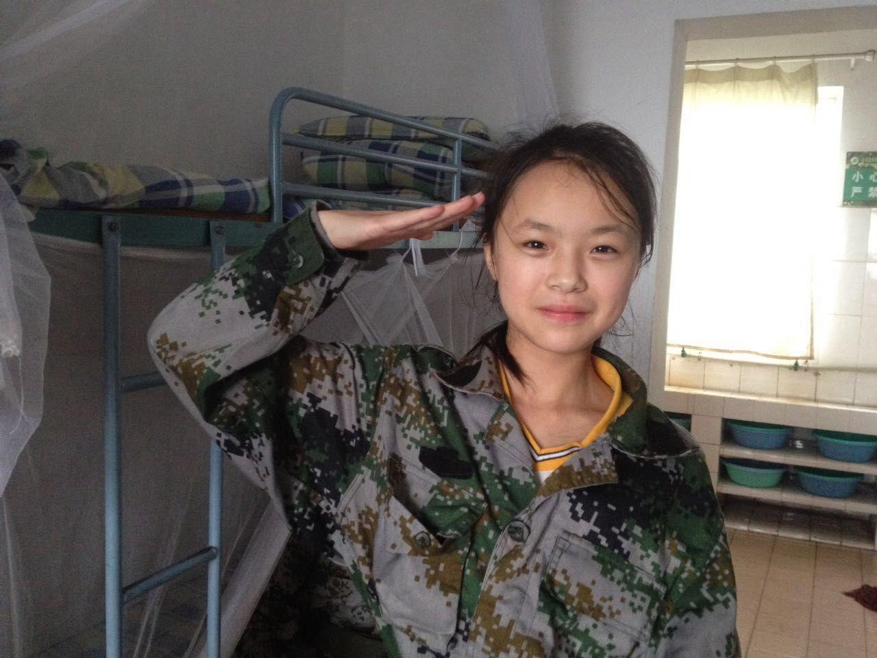 来看看小学生搞军训、穿小学的各种萌呆(图语文年级江苏省六军装图片