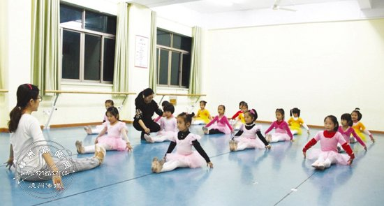 舞蹈培训班教练:舞出我人生