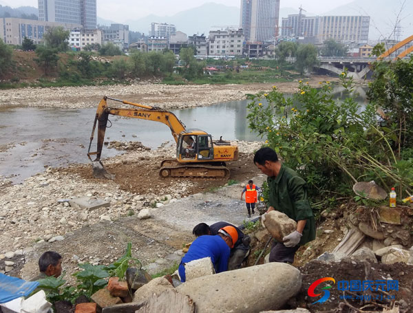 清淤整治工作开展