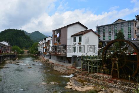 青瓷小镇吸引大量各地游客慕名而来