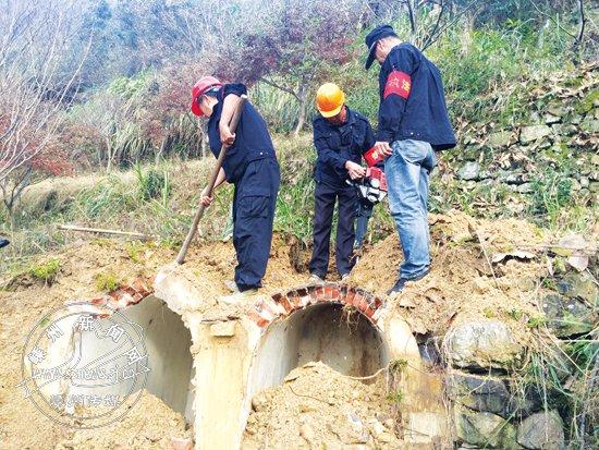 城南新区(三江街道)拆除245穴违建坟墓