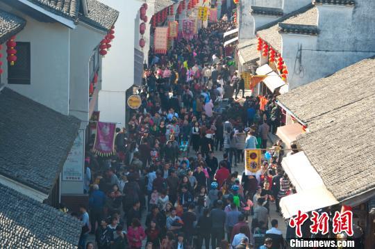 浙江盐官景区猴年迎来开门红活动将持续至元宵节