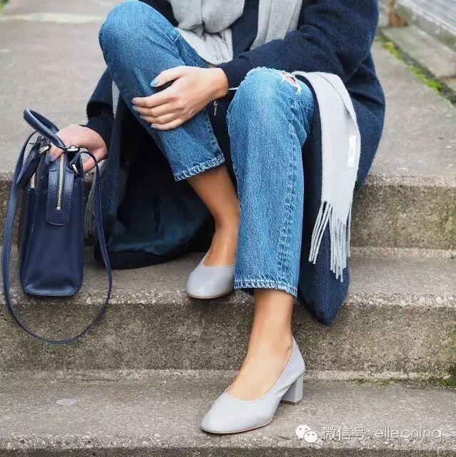 分牛仔裤+粗跟一字带凉鞋-9分牛仔裤 粗跟鞋,一分钟Get今春最时髦